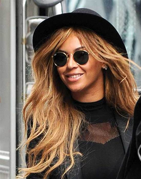 beyonce con Ray-Ban round metal